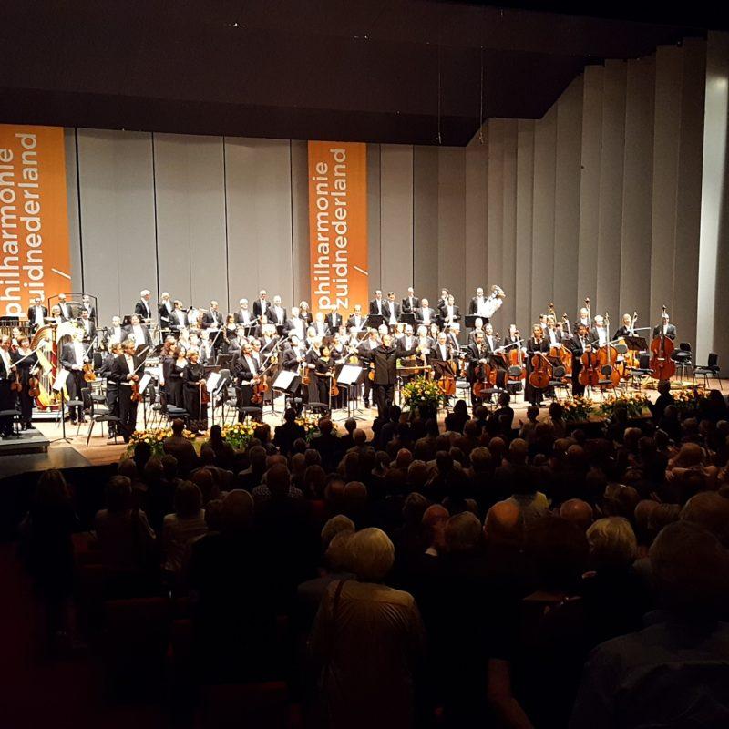 philharmonie zuidnederland met Dmitri Liss staande ovatie